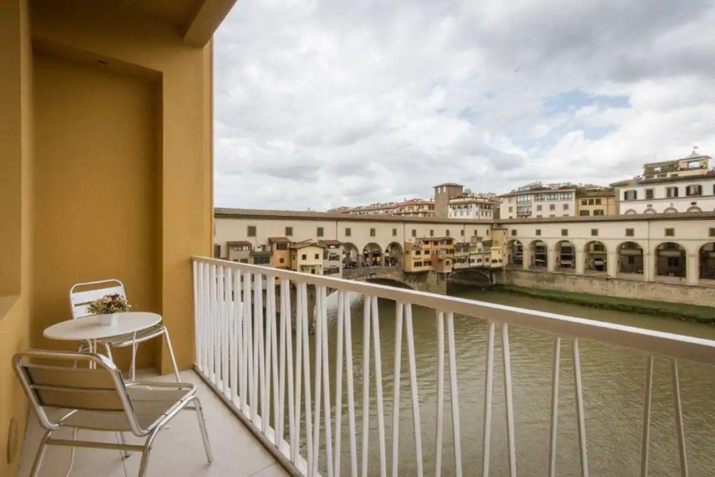 Ponte Vecchio View - Open Space